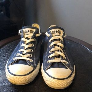 Converse (low tops)